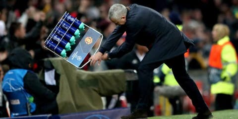 jose mourinho Smashes Water Bottles