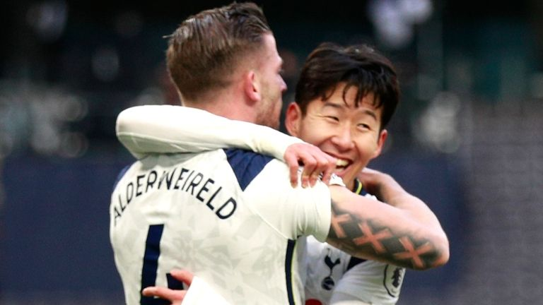 Heung Min Son Celebrates Toby Anderweireld