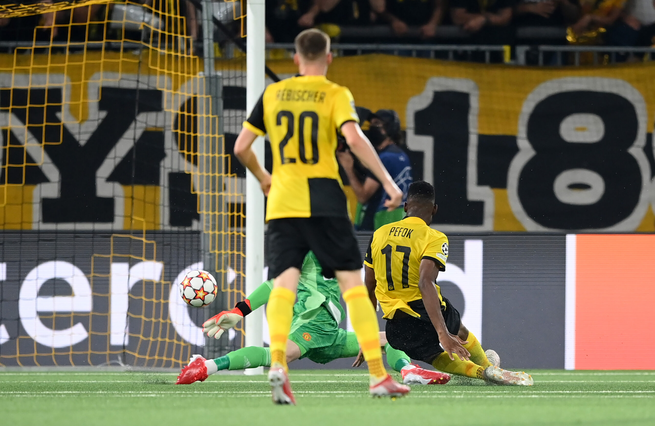 Young boys Manchester United Video highlights