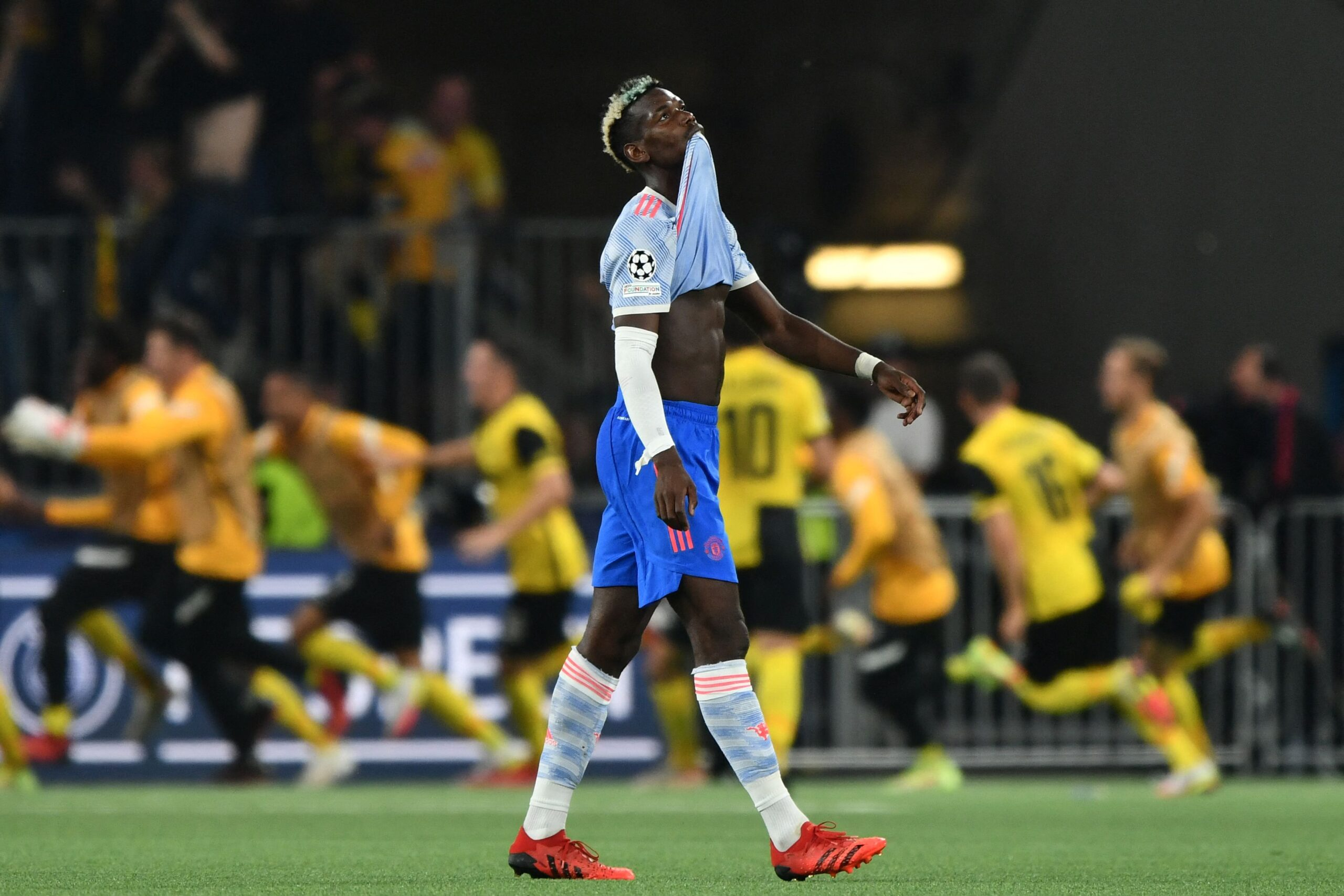 Paul Pogba Manchester United Frustrated Against Young Boys