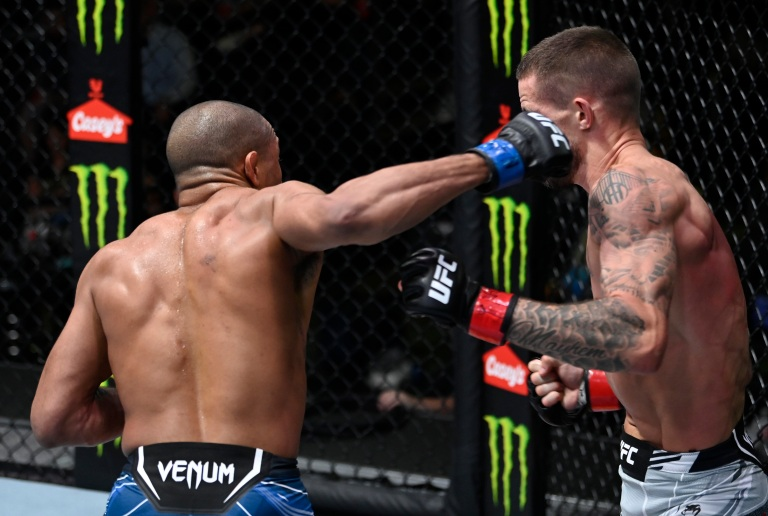 Tony Gravely Punches Nate Maness At UFC Fight Night 192