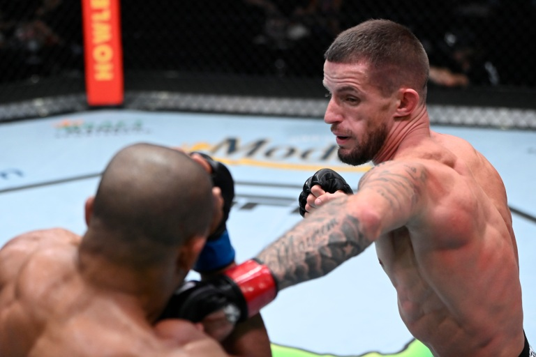Nate Maness Punches Tony Gravely At UFC Fight Night 192