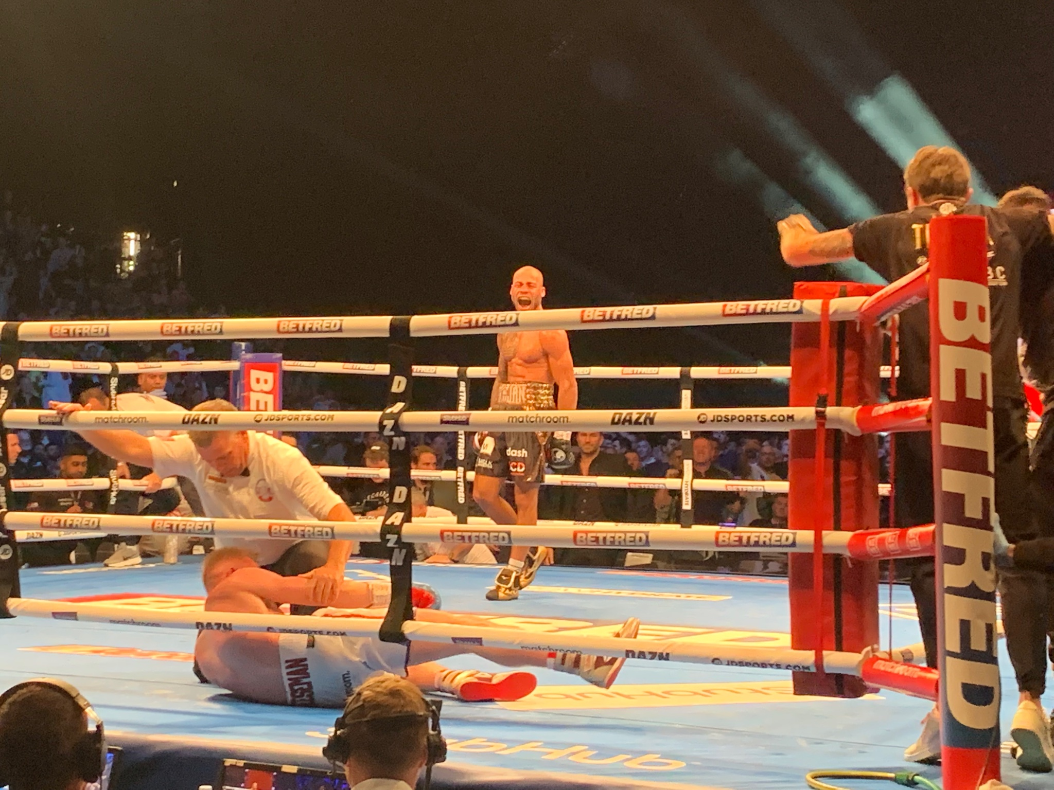 Troy Williamson Batters and Stops Ted Cheeseman KO photo 1