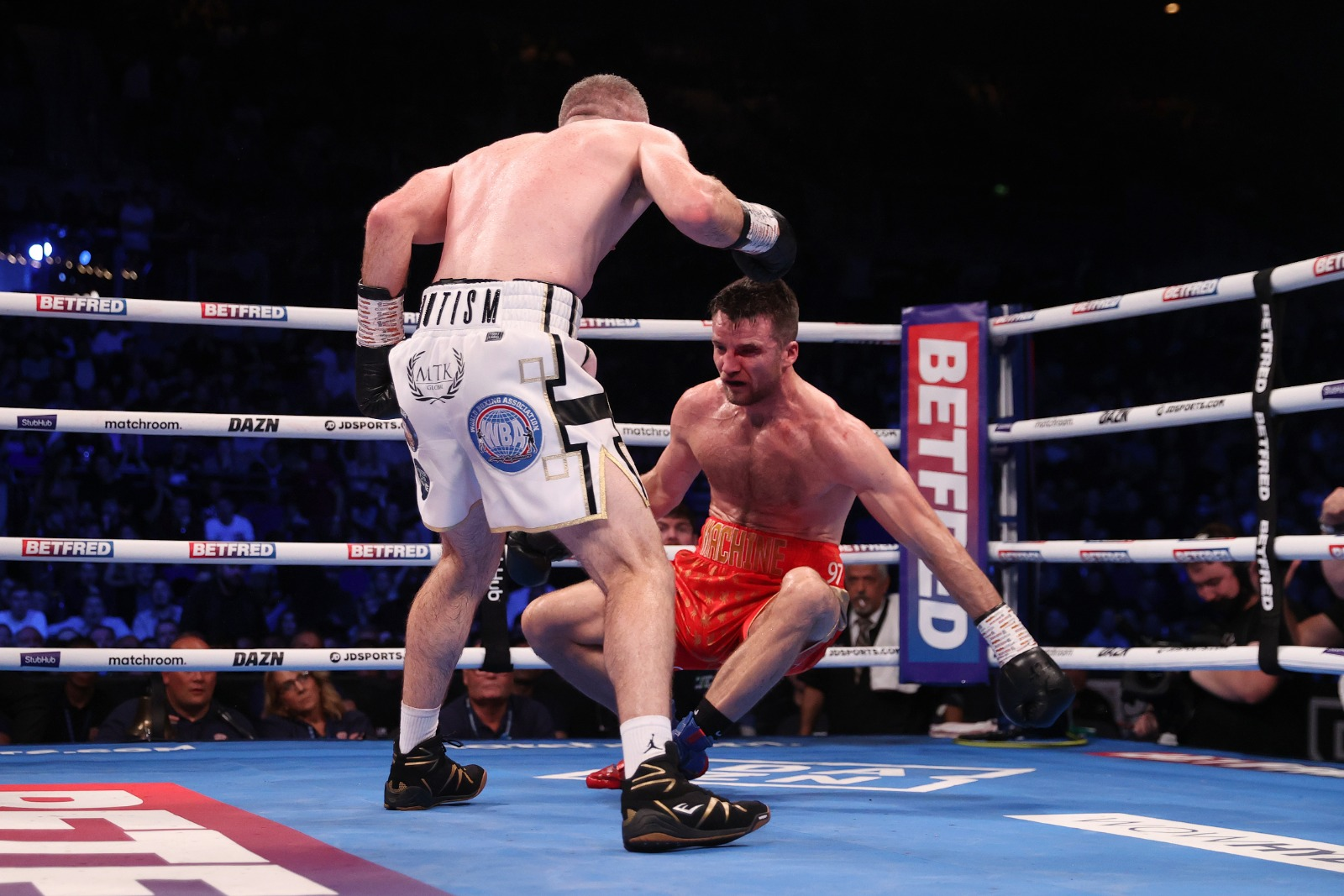 Liam Smith Drops Anthony Fowler