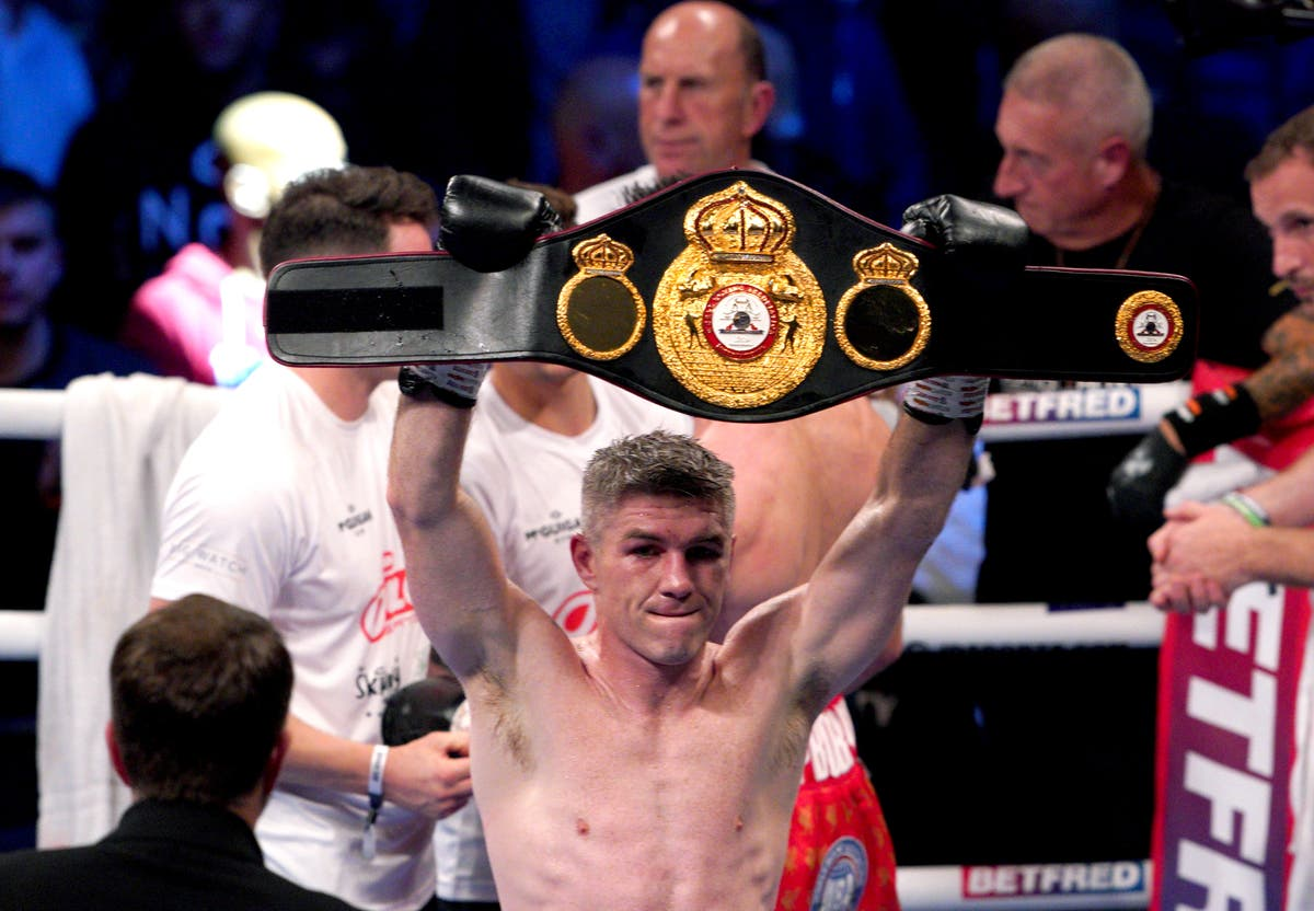 Liam Smith Drops Anthony Fowler Photo 2