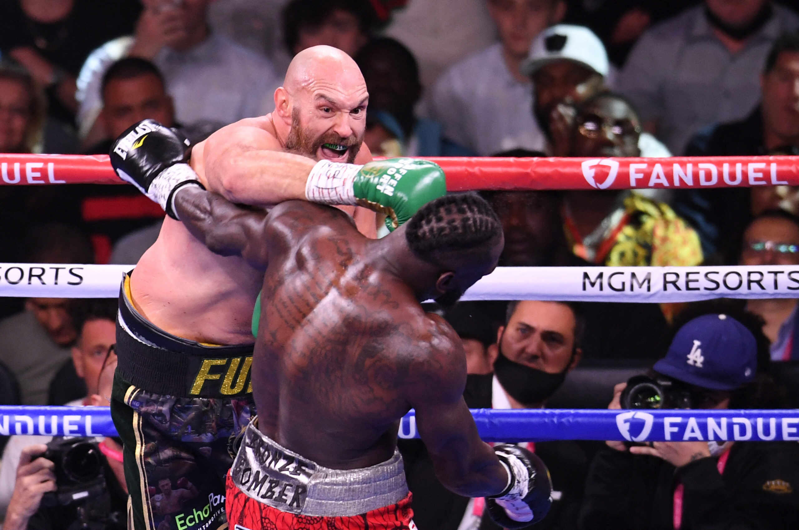 Tyson Fury defeats Deontay Wilder In Rematch Seven