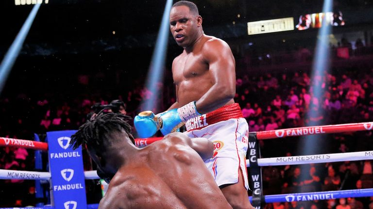 Frank Sanchez Hands Efe Ajagba First Professional Career Loss photo 6l7
