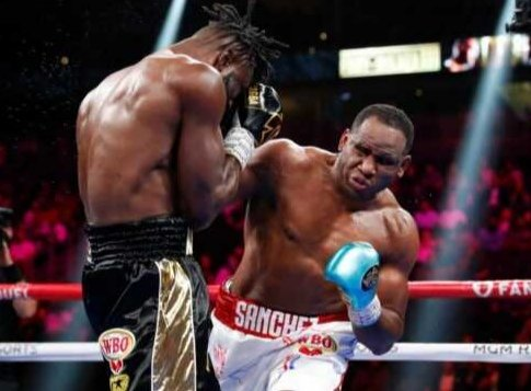 Frank Sanchez Hands Efe Ajagba First Professional Career Loss photo 5