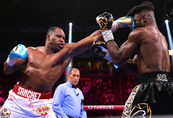 Frank Sanchez Hands Efe Ajagba First Professional Career Loss photo 4
