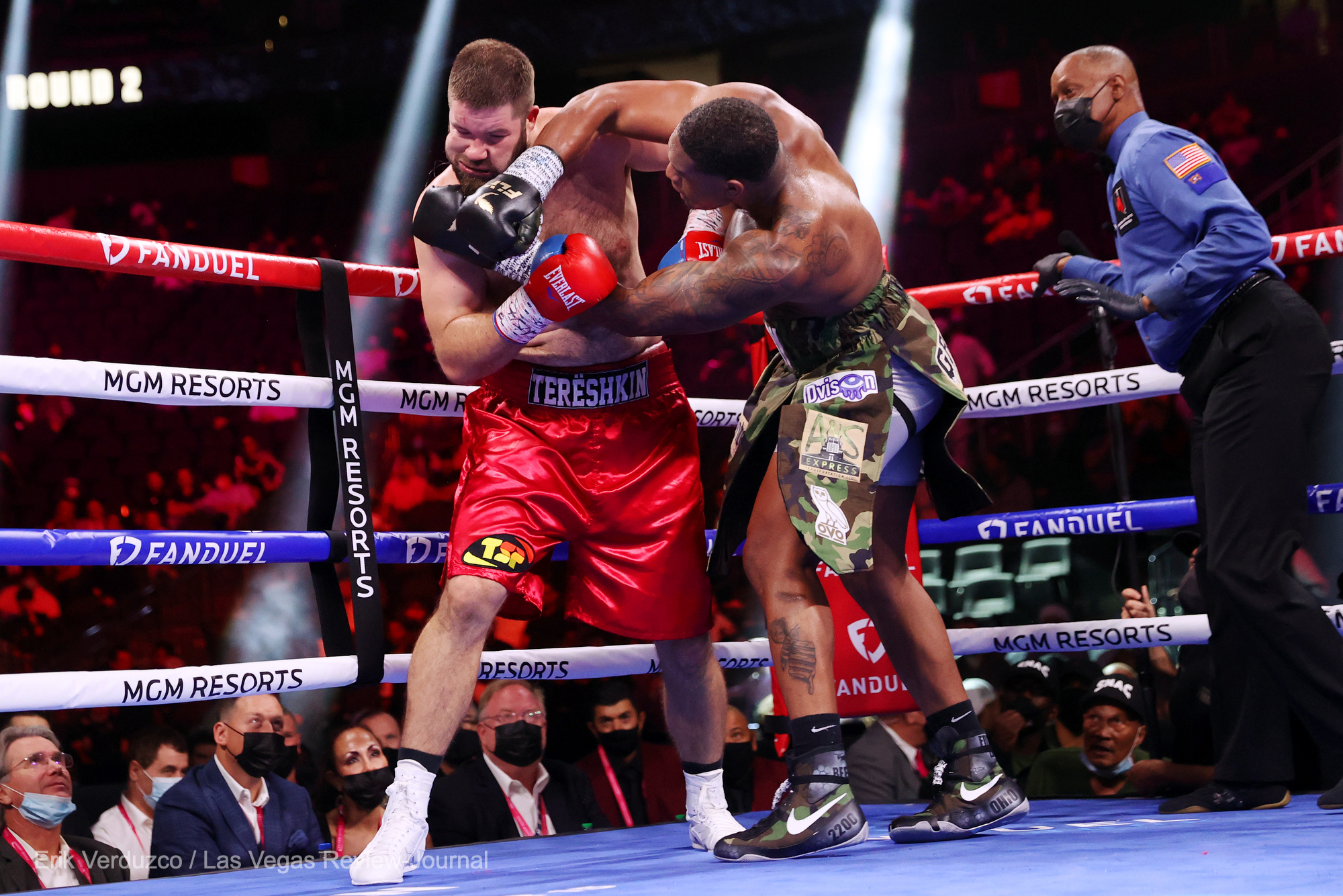 Jared Anderson Batters And Stops Wladimir Tereshkin In Two Rounds Photo 2